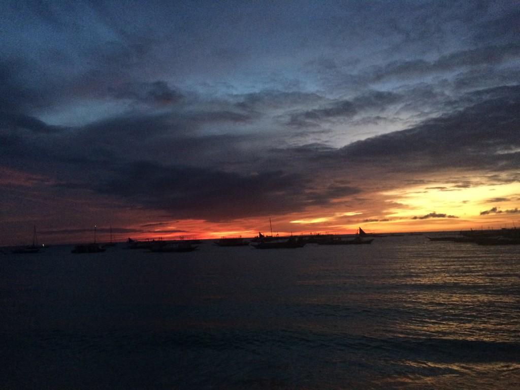 Закаты и рассветы на Боракае великолепны