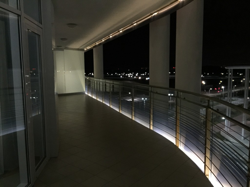 А вы бы что разместили на этом балконе?